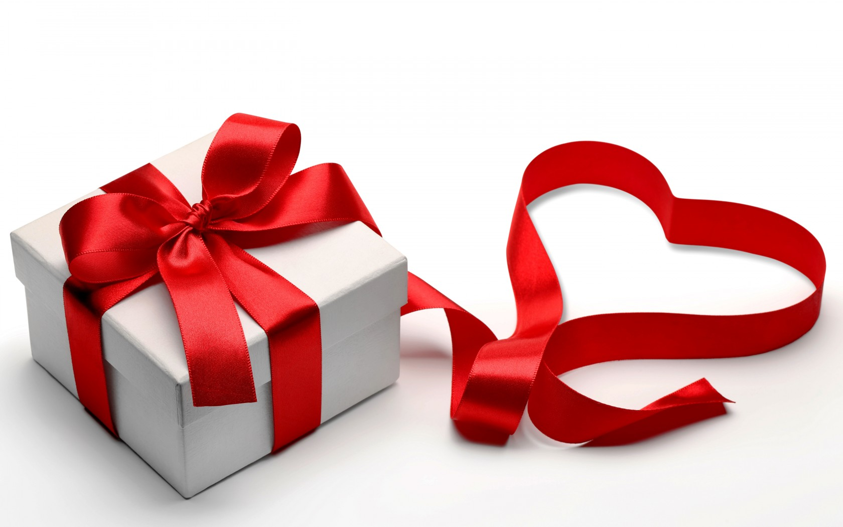 valentines-day-love-heart-gift-ribbon-wallpaper