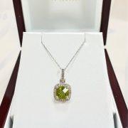 14kt DIAMOND PERIDOT NECKLACE