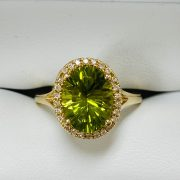 14kt Y.G. DIAMOND PERIDOT RING